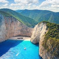 Vista aérea de Navagio - Grécia.