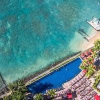 Vista aére da praia de Waikiki - Honolulu, Havaí.
