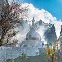 Vista de uma Pagoda em Darjeeling