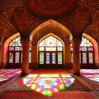 Interior da Mesquita Nasir ol Molk - Shiraz, Irã.