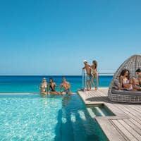 Breathless montego bay amigos na piscina infinita altitude