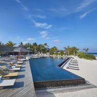 Amari havodda maldives piscina