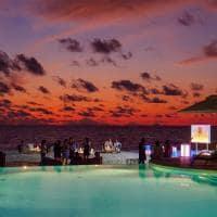 Baglioni maldives bar piscina