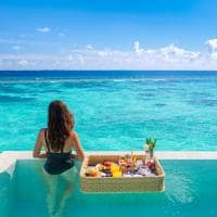 Baglioni maldives cafe da manha flutuante