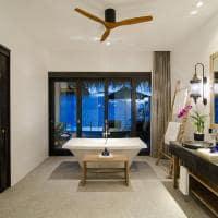 Banheiro da Ocean Pool Villa, Finolhu