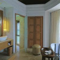 Constance halaveli maldives banheiro da water villa