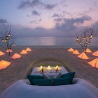 Dusit thani maldives jantar na praia