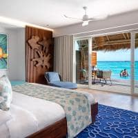 Emerald maldives quarto water villa with pool