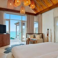 Fairmont maldives sirru fen fush water sunrise villa quarto