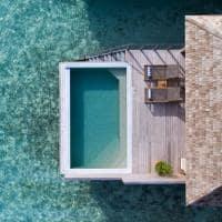 Hurawalhi ocean pool villa aerea