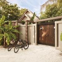 Joali maldivas beach villa with pool entrada