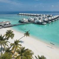Jumeirah maldives shimmers beach