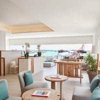 Lux south lounge de transito