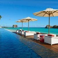 Mercure maldives kooddoo piscina