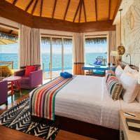 Mercure maldives kooddoo quarto da overwater villa