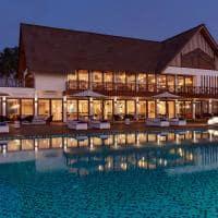 Mercure maldives kooddoo restaurante alita