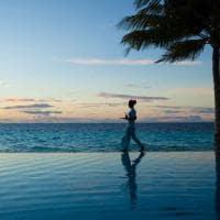 Outrigger konotta maldives resort piscina