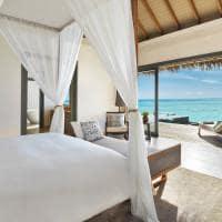 Overwater Pool Suite no Vakkaru Maldives