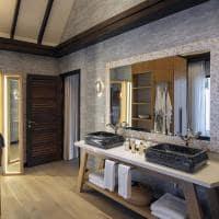 Ozen maadlhoo earth villa with pool banheiro