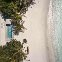Patina maldives vista aerea one bedroom sunset beach pool villa