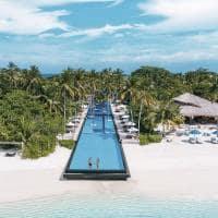 Piscina fairmont maldivas