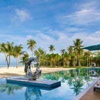 Pullman_Maldives_Maamutaa_piscina principal melange