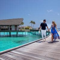 Radisson blu resort maldives passarela chegada