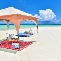 Raffles maldives meradhoo cafe da manha almo o banco areia