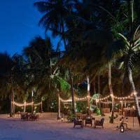 Raffles maldives meradhoo restaurante the firepit