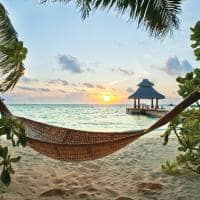 Rede praia paradisíaca Ilhas Maldivas