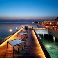 Restaurante iluminado, W Retreat Spa Maldives, Ilhas Maldivas