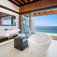 The westin maldives banheiro overwater pool villa