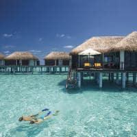 Velassaru maldives water villas mergulho
