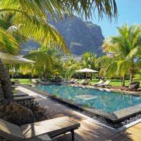 dinarobin beachcomber hotel