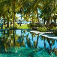 dinarobin beachcomber piscina