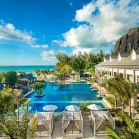 st regis mauritius resort piscina