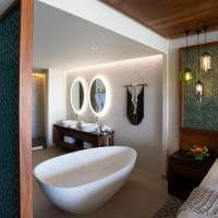 Palmaia the house of aia banheiro ocean front king suite with bathtub