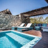 Anantara medjumbe deck piscina