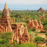 Vista dos templos em Bagan - Myanmar