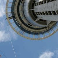 Bungy Jump na Sky Tower, em Auckland