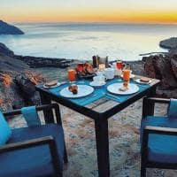 Six senses zighy bay cafe da manha ar livre