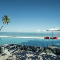 piscina praia Four Seasons Seychelles at Desroches Island
