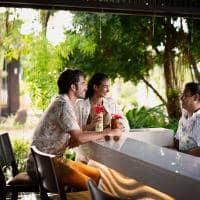 Raffles seychelles bar piscina