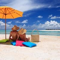 Casal na Pink Sand Beach