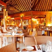 Le bora bora by pearl resorts restaurante