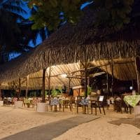Le tahaa by pearl resorts restaurante noite