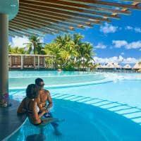 Tarava Pool Bar, Conrad Bora Bora Nui