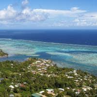 Vista aérea Opunohu Bay destino Papeete Tahiti Polinésia Francesa