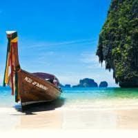Barco praia Phuket, Tailândia