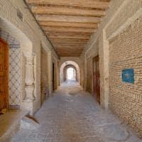 Interior de medina em Tozeur, Tunísia.
